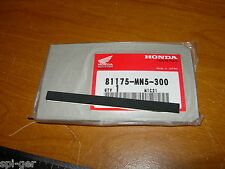 88-00 GL-1500 HONDA Gold-Wing New O/E Trunk Pocket Seal Rubber No. 81175-MN5-300