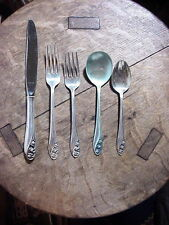 Gorham LILY OF THE VALLEY 5 piece PLACE SETTING  Sterling Silver  Flatware