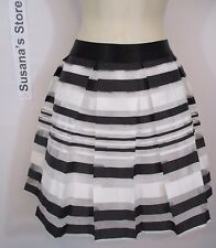 NWT BEBE CUPCAKE STRIPED SKIRT SIZE M amazing Skirt Now Just $29 SUPER FLIRTY!!!
