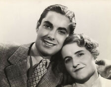 Tyrone Power UNSIGNED photo - D1647 - With his mother, Patia Power