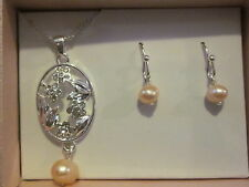 Freshwater Pearl Gift Set-Freshwater Pink Pearls in Silvertone with Rhinestones