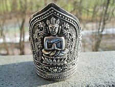 RARE CHINESE EXPORT STERLING SILVER CUFF BRACELET ELABORATE HIGH RELIEF DESIGN