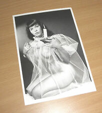 BETTIE PAGE  Queen of Burlesque Erotik Postcard Babydoll Dessous sweet Akt NUDE