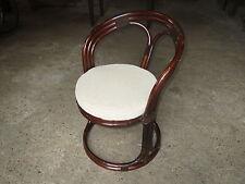 Ancien fauteuil siège ou chaise en rotin vintage assise coussin velours