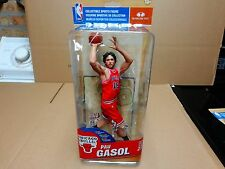 MCFARLANE NBA 27  FIGURE PAU GASOL CHICAGO BULLS REG RED JERSEY