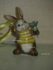 +# A016582_24 Goebel Archiv Muster Ostern Ornament Hase mit Blume 66-907