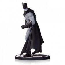 BATMAN : BATMAN BLACK & WHITE STATUE BY GARY FRANK FOR DC COMICS (TK)