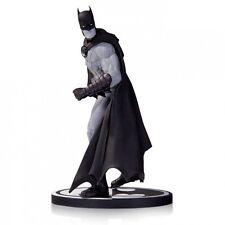 BATMAN : BATMAN BLACK & WHITE STATUE BY GARY FRANK FOR DC COMICS (TK)