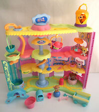 Littlest Pet Shop Round and Round Pet Town Playset with Pets and accessories LPS