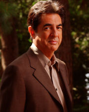 Mantegna, Joe [Joan of Arcadia] (21119) 8x10 Photo