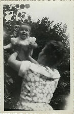 PHOTO ANCIENNE - VINTAGE SNAPSHOT - ENFANT BÉBÉ RIRES GRIMACE DRÔLE -CHILD FUNNY