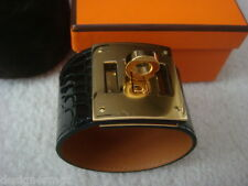 NIB 100%AUTH Hermes Kelly Dog Black Shiny Alligator Bracelet Gold Hardwares S