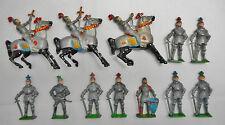 Soldiers - 12 Vintage Cherilea Metal / Lead Knights  (1833)