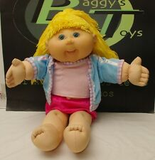 Cabbage Patch Kids Yarn Yellow Hair Green Eyes Smiling Doll