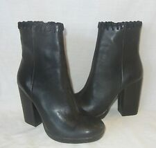 Urban Outfitters Womens Bobbie Vegan Side Zip Platform Boot Retail $98 sz 6