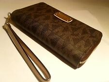 NWT Michael Kors Brown PVC LG Flat Multifunction Phone Case Wallet Wristlet MK