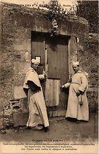 CPA  Expulsion des P.P. Prémontrés , Nantes, La Porte ou l'on peut lire (354304)