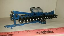 1/64 ERTL farm toy custom kinze 3600 16 row corn planter center fill nice vhtf!