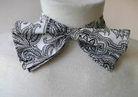 BLACK WHITE PATTERNED PUSSY BOW TIE VINTAGE 70S 80S PUNK LADIES WOMENS