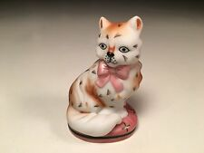 Staffordshire Franklin Mint Curio Cabinet Cats Collection Pink Bow Cat Figurine