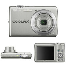 NIKON COOLPIX S220 Silver Digital Camera With BOX
