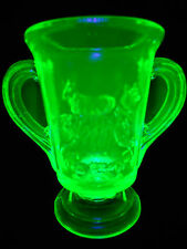Green Vaseline glass child's lamb sheep pattern spooner Toothpick holder Uranium