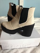 Topshop Hola Chelsea Boots Size 8 Nwb