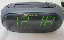 "JUMBO 1.8"" LED DISPLAY Smart Set Dual Alarm Clock Radio Emerson CK5238"