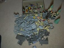 Lego Harry Potter Hogwarts Castle Set 4709 Pieces and Minifigures Lot