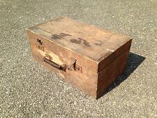 ancienne  CAISSE BOITE  valise COFFRE EN BOIS   rangement  Art populaire mar3