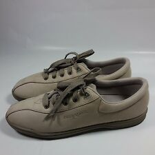 NICE Women's Easy Spirit Anti Gravity Comfort Walking Shoes-Beige-9 2A/4A