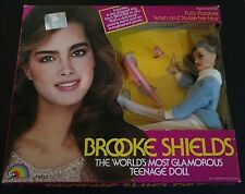 BROOKE SHIELDS THE WORLD'S MOST GLAMOROUS TEENAGE DOLL