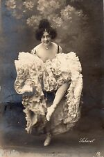 BD540 Carte Photo vintage card RPPC Femme woman danse cabaret robe dress fashion