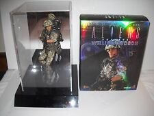 Hot Toys ALIENS Private William Hudson 1/6 Scale Figure With Display Case