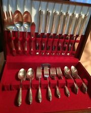 W.M. Rogers & Son 52 Pc IS Exquisite Silverplated Silverware/Flatware