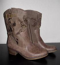 YUU QUANITA MS SIZE 7M DISTRESSED BROWN MIXED MEDIA EMBELLISHED FASHION BOOTS