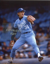BRET SABERHAGEN Photo in action KC Royals Cy Young (c)