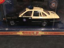 Florida Highway Patrol 1:24 Scale Ford Crown Victoria Code 3 Replica