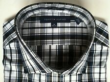 NWT $69.50 Mens Tommy Hilfiger Black/White Plaid Slim-Fit Dress Shirt 15 32/33