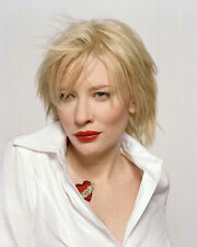 Cate Blanchett UNSIGNED photo - E760 - BEAUTIFUL!!!!