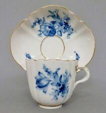 Tasse mit Unterteller, MEISSEN, blaue Blumen, Goldrand, 1. Wahl