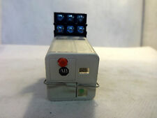 ALLEN BRADLEY 700-HB33A1-1-4 RELAY WITH SOCKET 120 V COIL