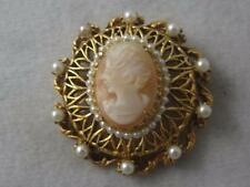 VINTAGE FLORENZA CARVED SHELL CAMEO & FAUX PEARL GOLD TONE PIN/ PENDANT