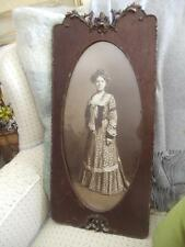 ANTIQUE VTG VICTORIAN CARVED WOOD 3/4 YARD LONG LADY PORTRAIT PICTURE OVAL FRAME