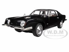 1963 STUDEBAKER AVANTI BLACK 1:32 DIECAST MODEL CAR BY SIGNATURE MODELS 32301