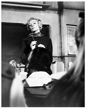 THE PRIME OF MISS JEAN BRODIE 8x10 still MAGGIE SMITH -- (y914)