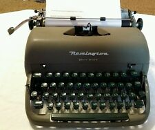 Remington Quiet-Riter Miracle Tab Manual Typewriter Remington Rand With Case
