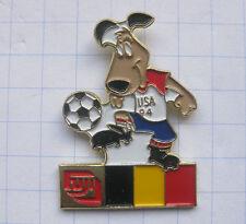 FUJI / FUSSBALL WM 94 USA / STRIKER / BELGIEN .......Sport / Foto Pin (121b)