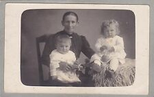 Antique RPPC, Studio Photo Of Mother And Children - Babies - Doll, Toys, Kongen