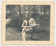 Foto Pimpf mit Halstuch Schulterriemen-Ärmelabzeichen (i125)